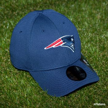 Kšiltovka New Era 39THIRTY Sideline tech NFL New England Patriots 895 Kč