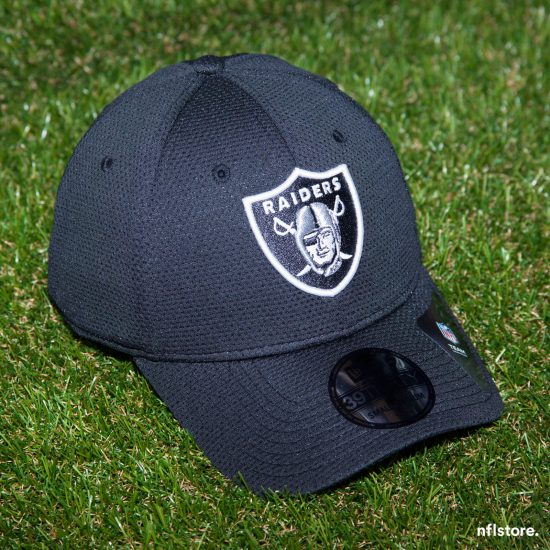 Kšiltovka New Era 39THIRTY Sideline tech NFL Oakland Raiders 895 Kč