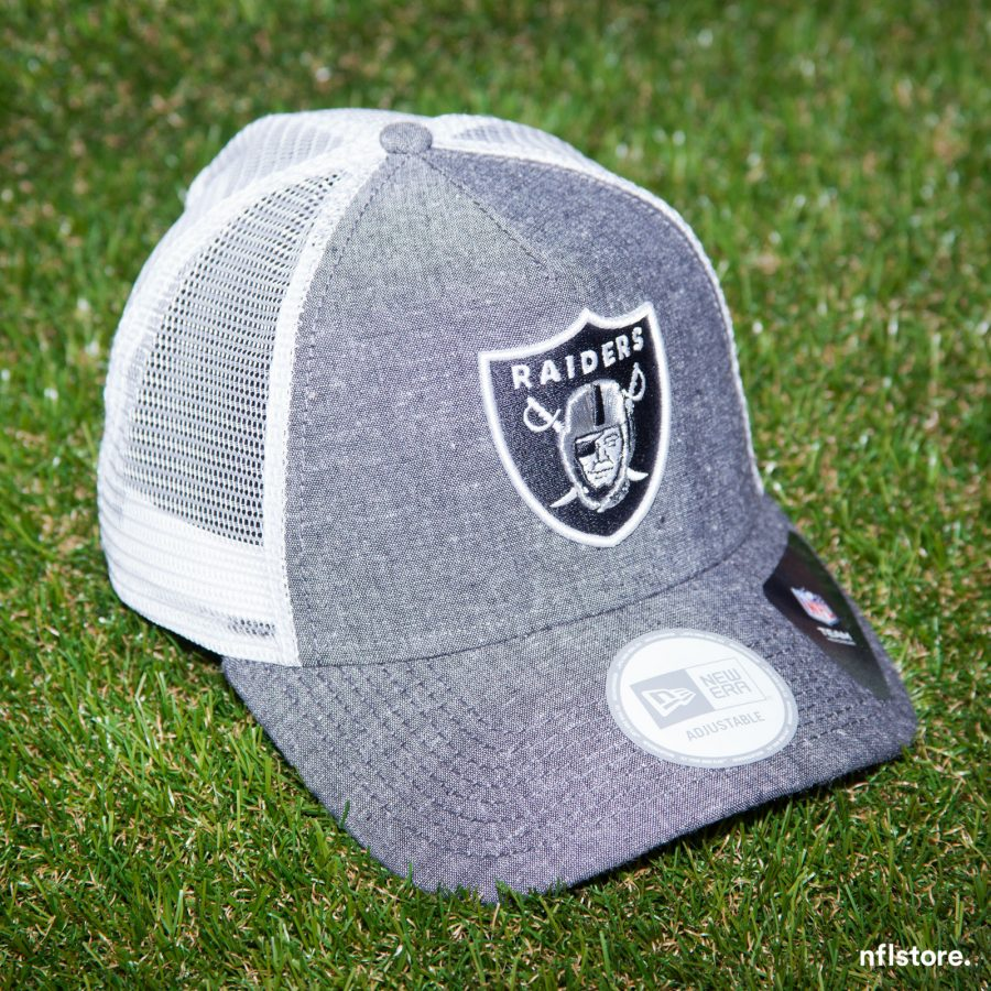 Kšiltovka New Era NFL Chambray Oakland Raiders 9FORTY TRUCKER Team Colors/White Snapback 695 Kč
