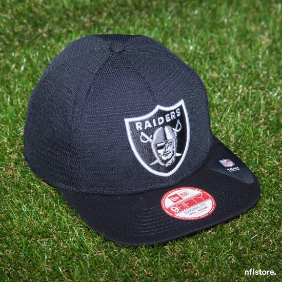 Snapback New Era 9FIFTY Mens Mesh Oakland Raiders 1064 Kč