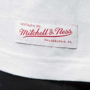 triko-mitchell-and-ness-m-n-script-logo-white-prague