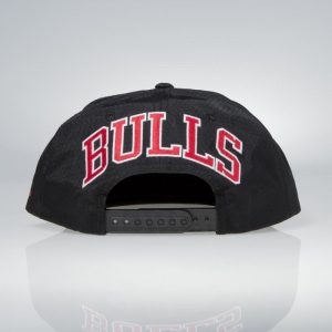 ksiltovka-mitchell-and-ness-chicago-bulls-black-ripstop-honeycomb-koupit