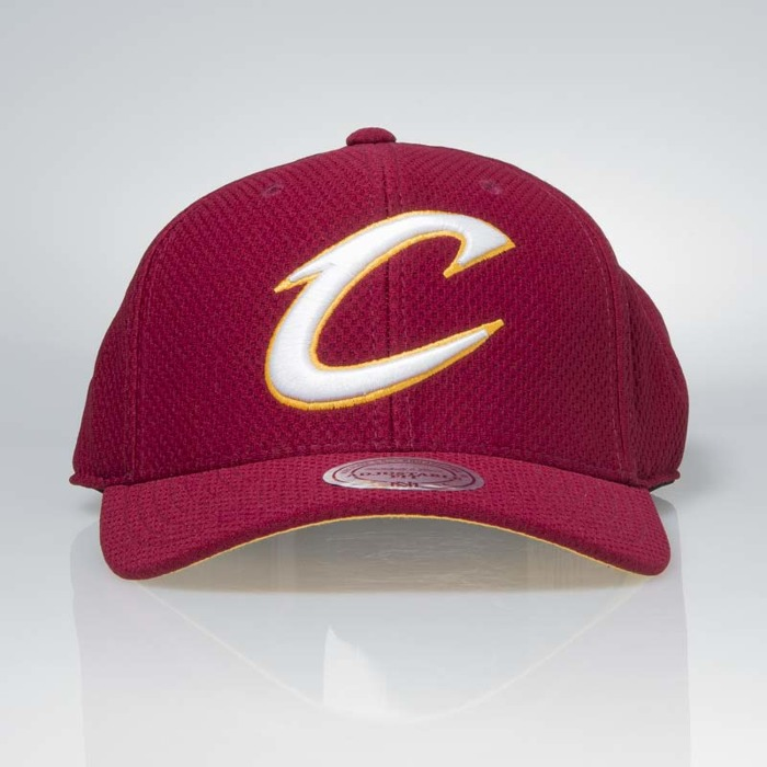 Kšiltovka Mitchell & Ness Cleveland Cavaliers Hexagon Jersey Mesh Hook and Loop 745 Kč