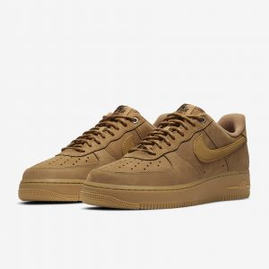 01-nike-air-force-1-low-flax-koupit